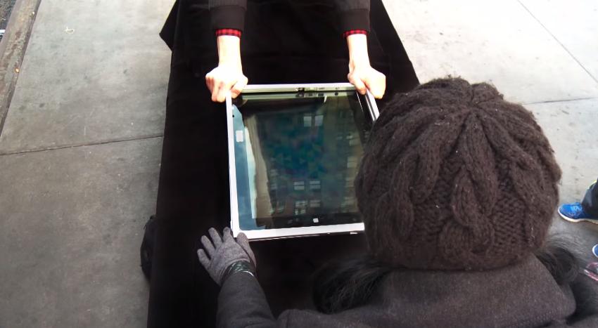dans-ta-pub-nabi-apple-store-magicien-tablette-tactile-ipad