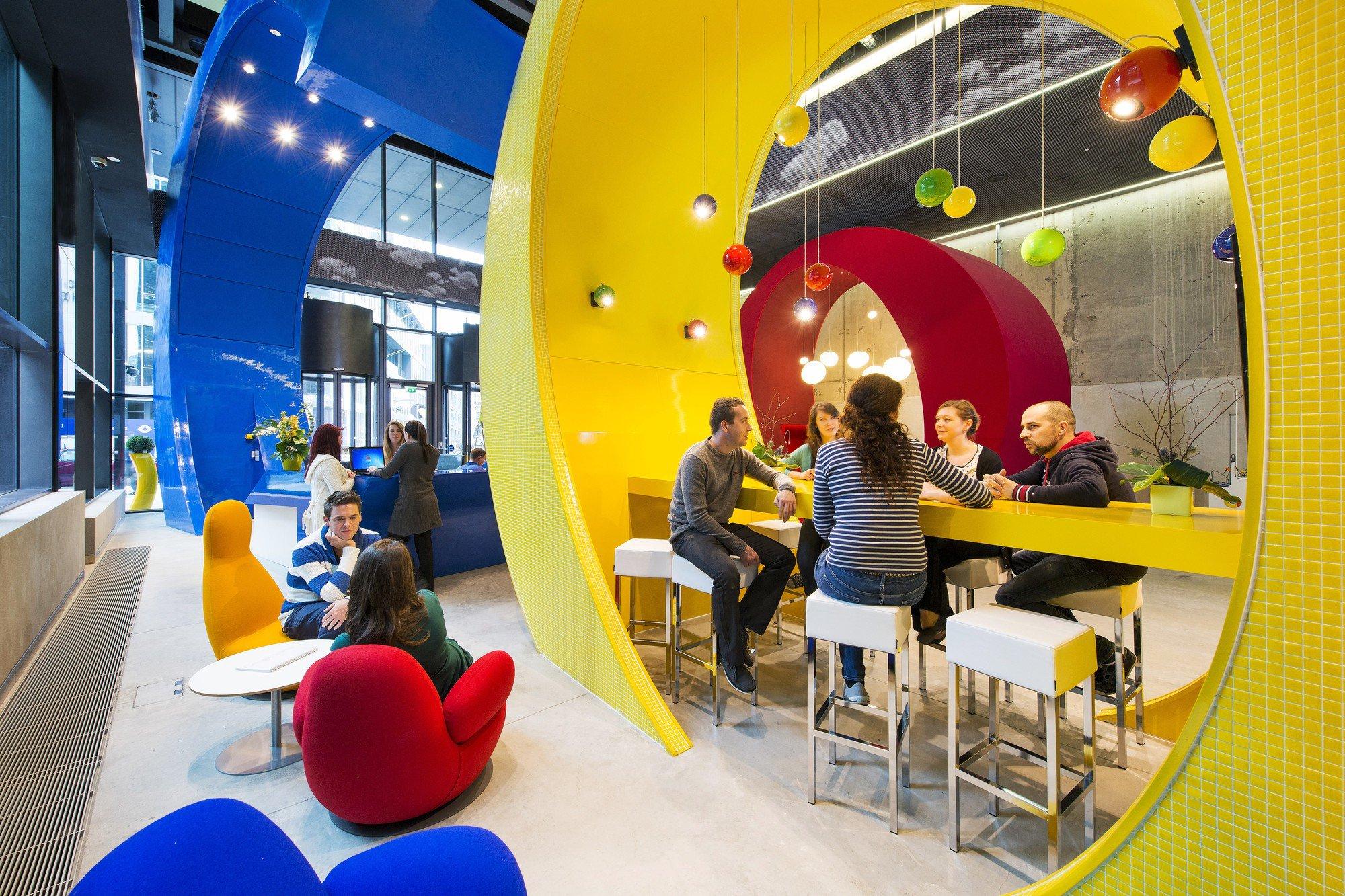 dans-ta-pub-marketing-des-couleurs-google-office-locaux-2