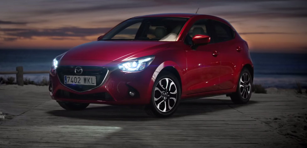 dans-ta-pub-nouvelle-mazda-2-challenge-the-night