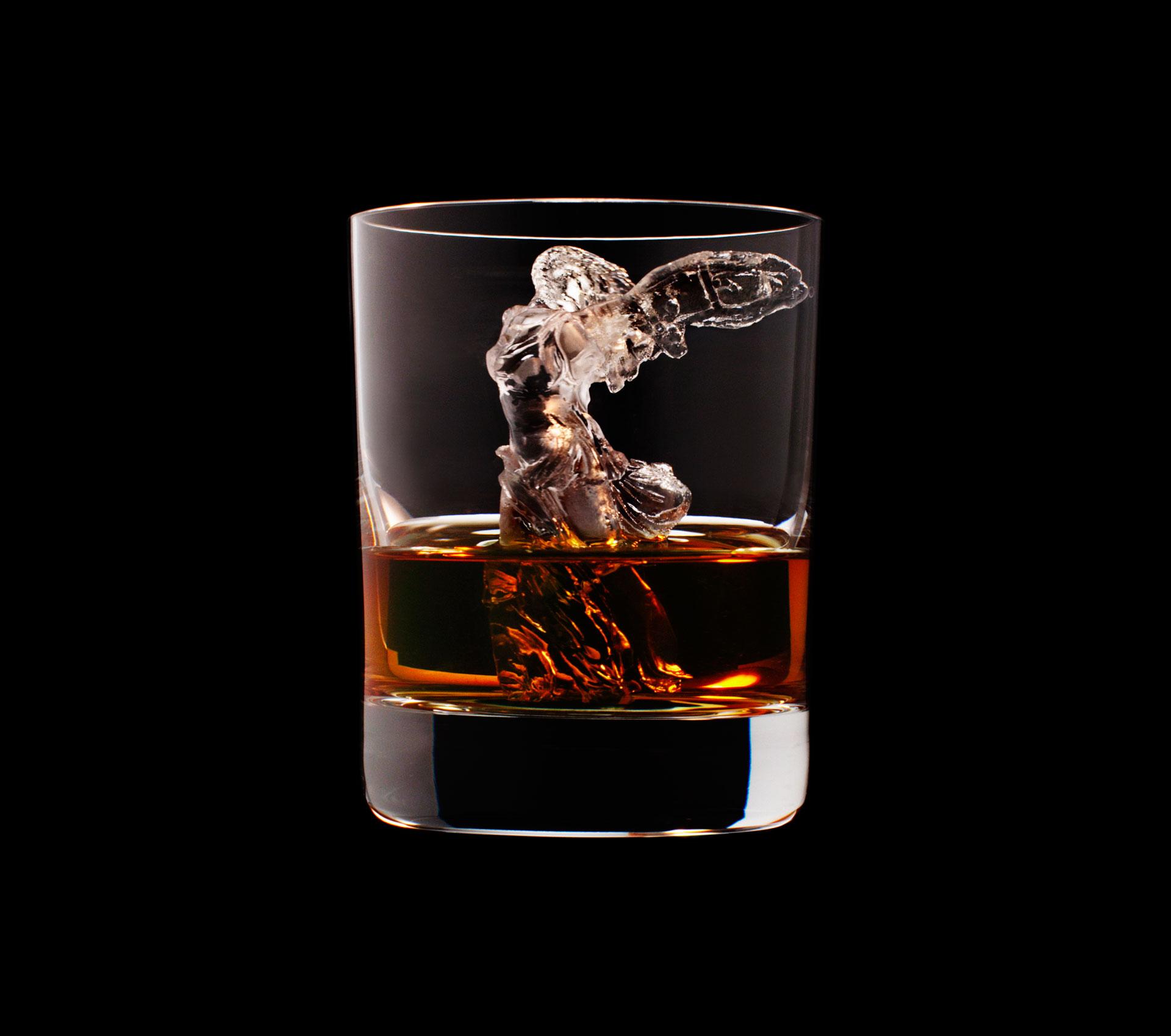 dans-ta-pub-whisky-tbwa-suntory-ice-cubes-10