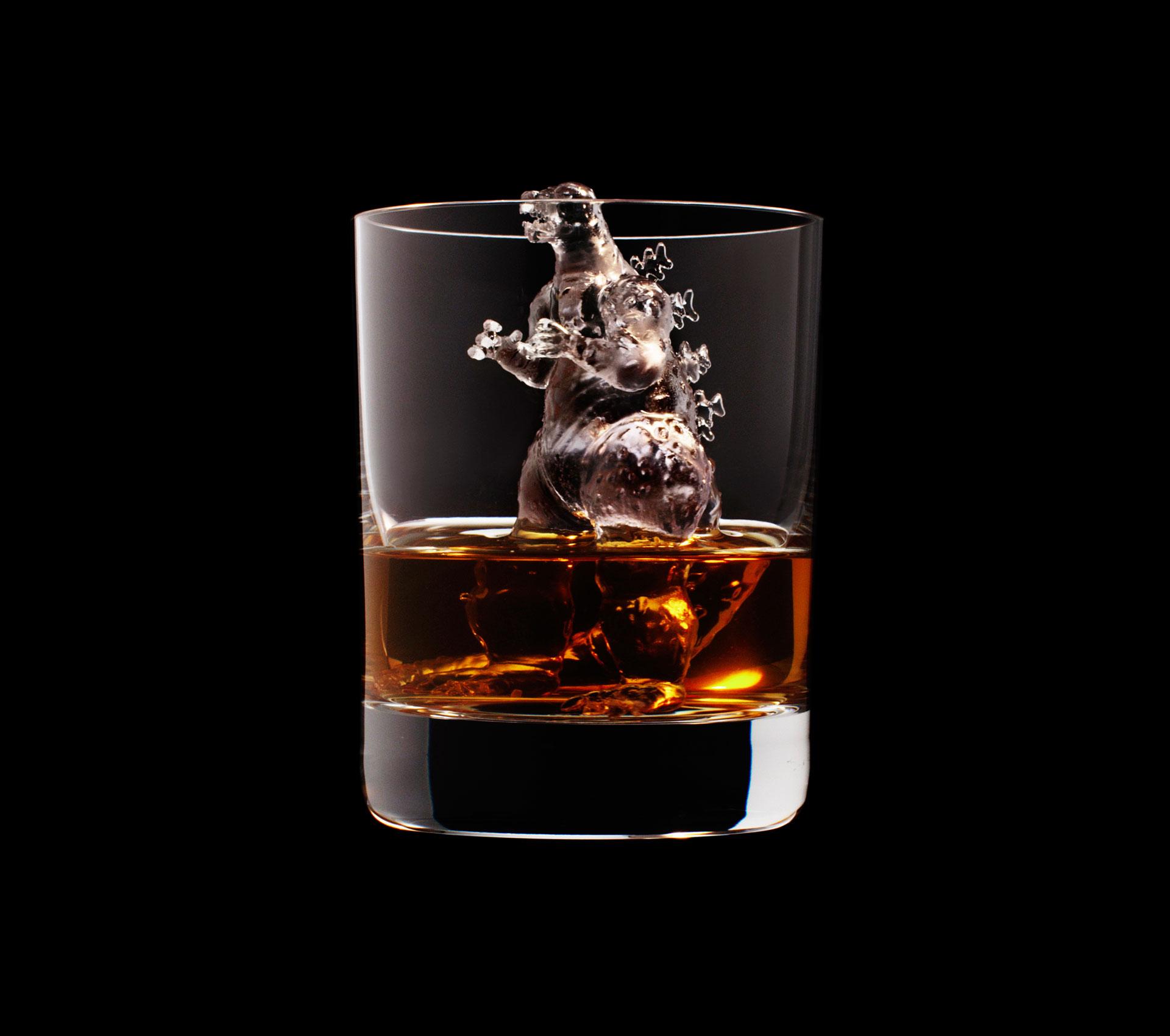 dans-ta-pub-whisky-tbwa-suntory-ice-cubes-11