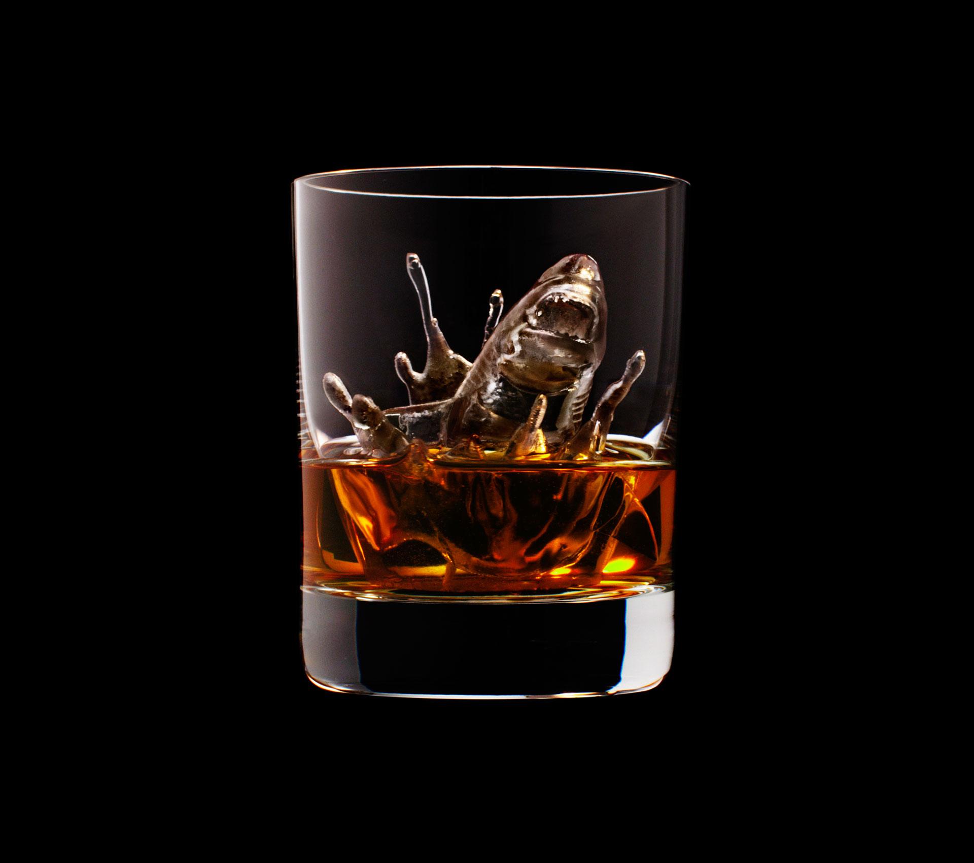 dans-ta-pub-whisky-tbwa-suntory-ice-cubes-12