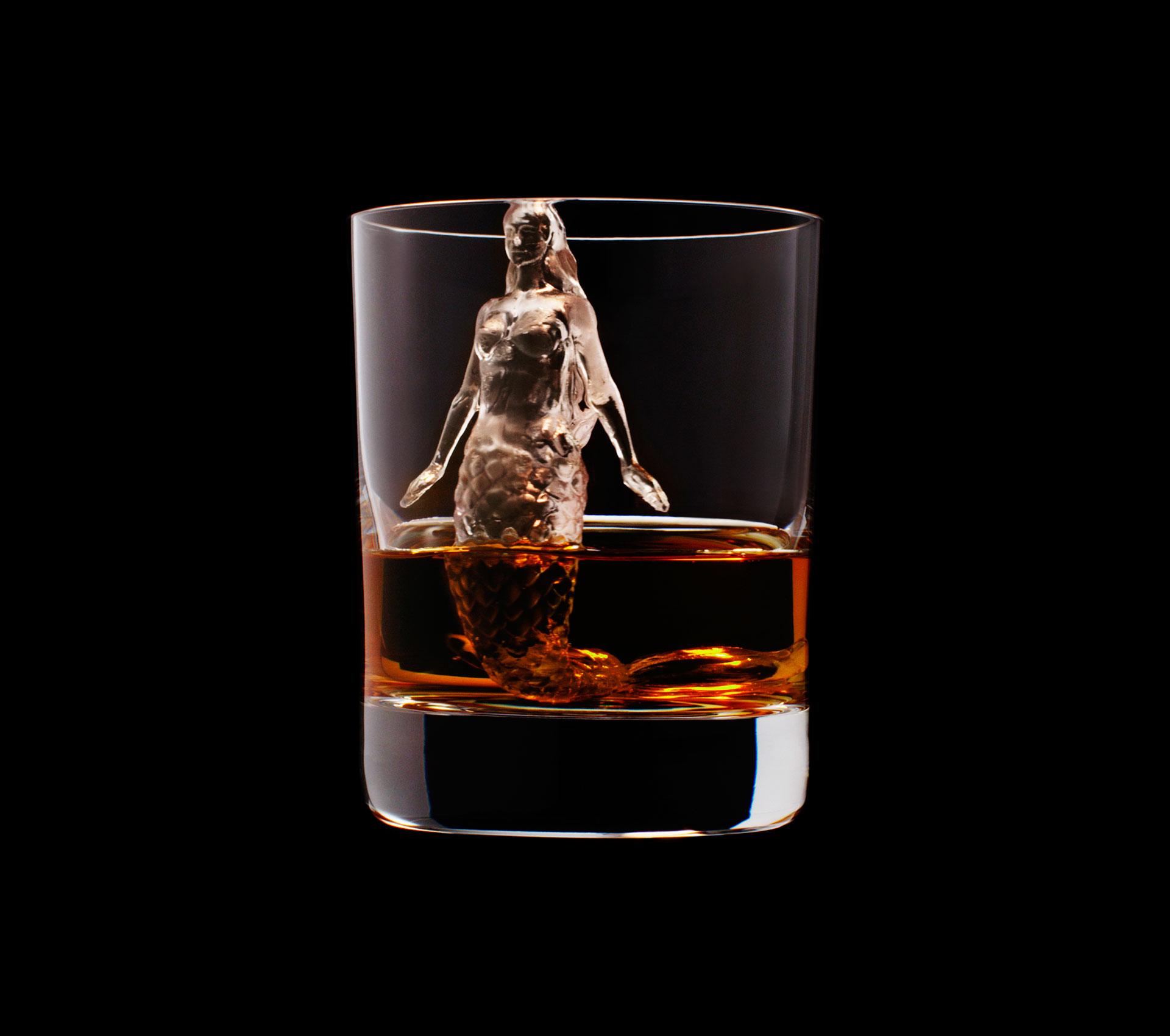 dans-ta-pub-whisky-tbwa-suntory-ice-cubes-13