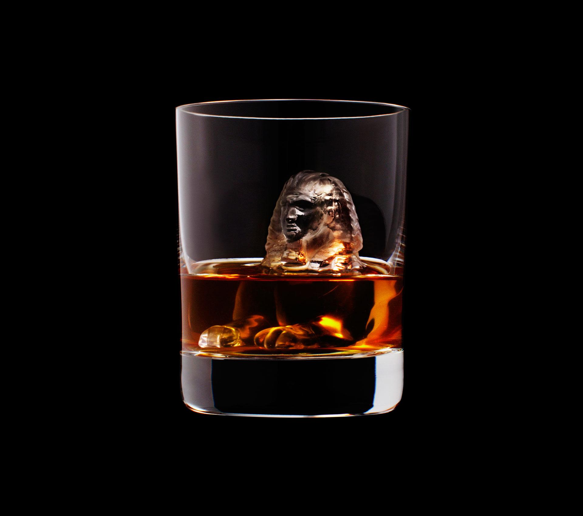 dans-ta-pub-whisky-tbwa-suntory-ice-cubes-15