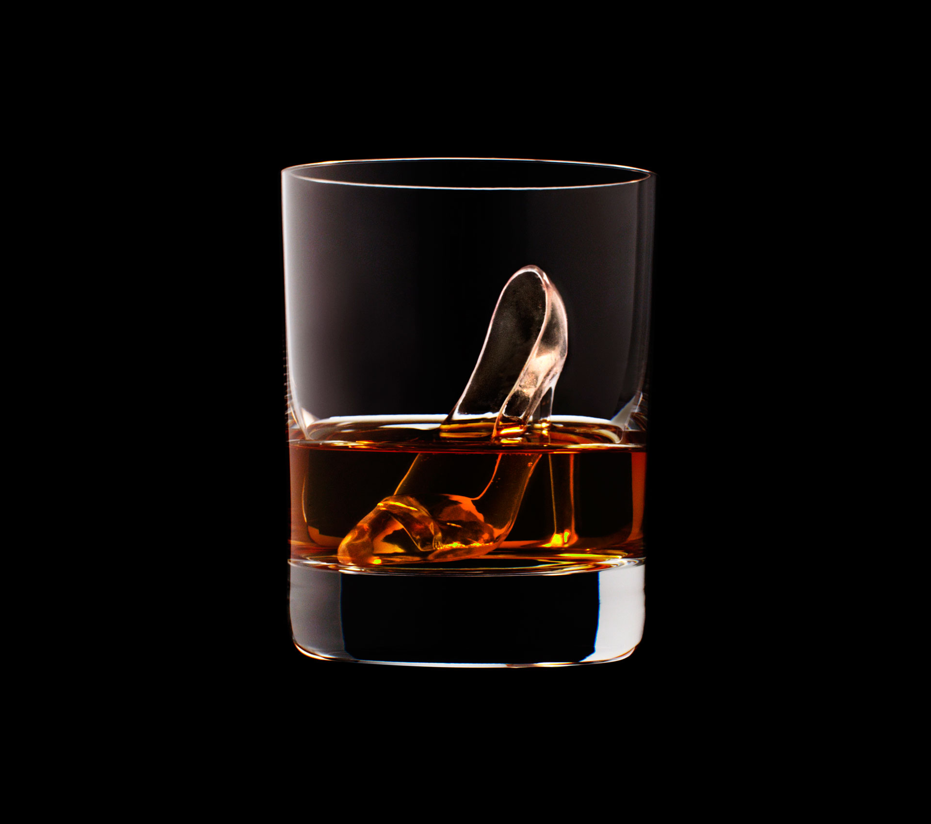 dans-ta-pub-whisky-tbwa-suntory-ice-cubes-2