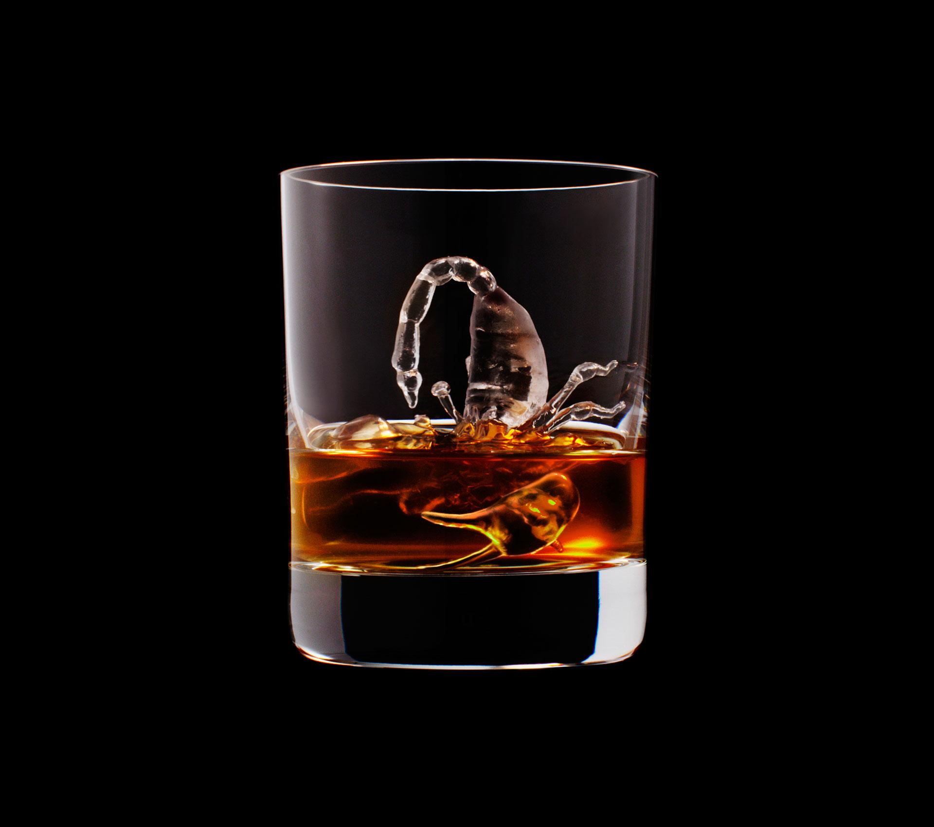dans-ta-pub-whisky-tbwa-suntory-ice-cubes-23