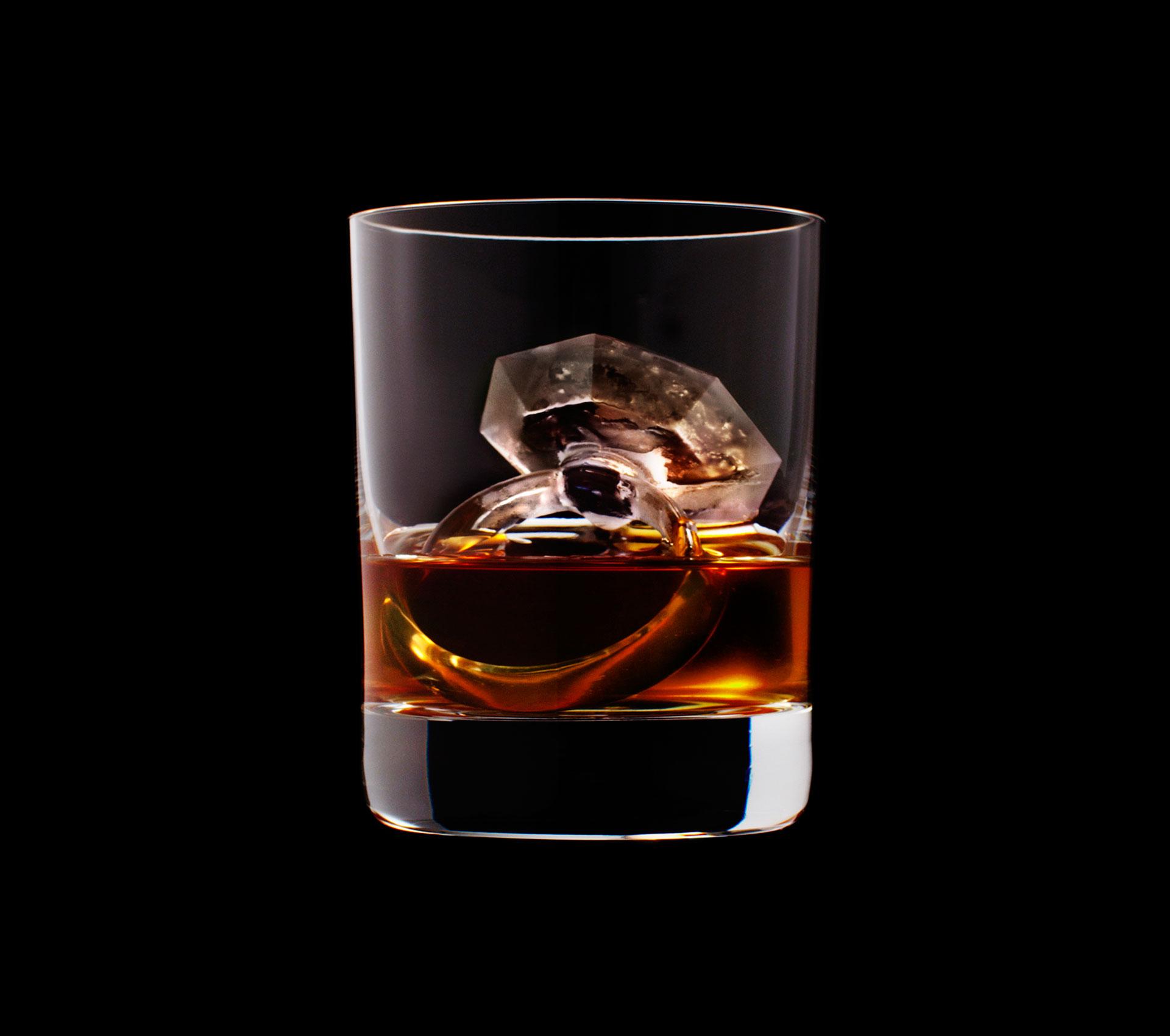 dans-ta-pub-whisky-tbwa-suntory-ice-cubes-3