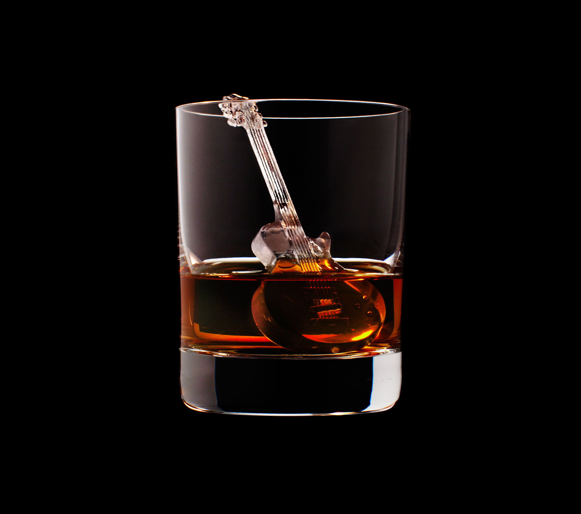 dans-ta-pub-whisky-tbwa-suntory-ice-cubes-5