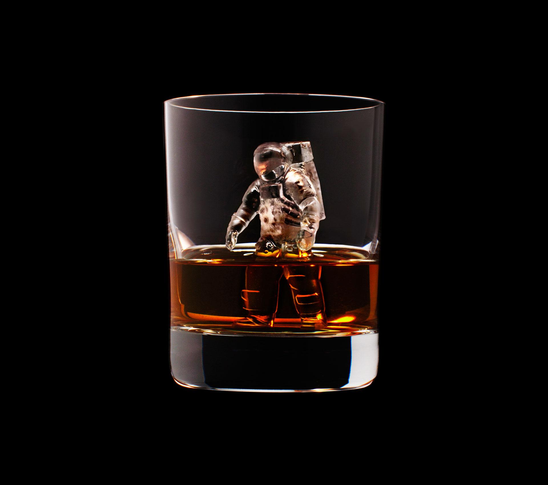 dans-ta-pub-whisky-tbwa-suntory-ice-cubes-7