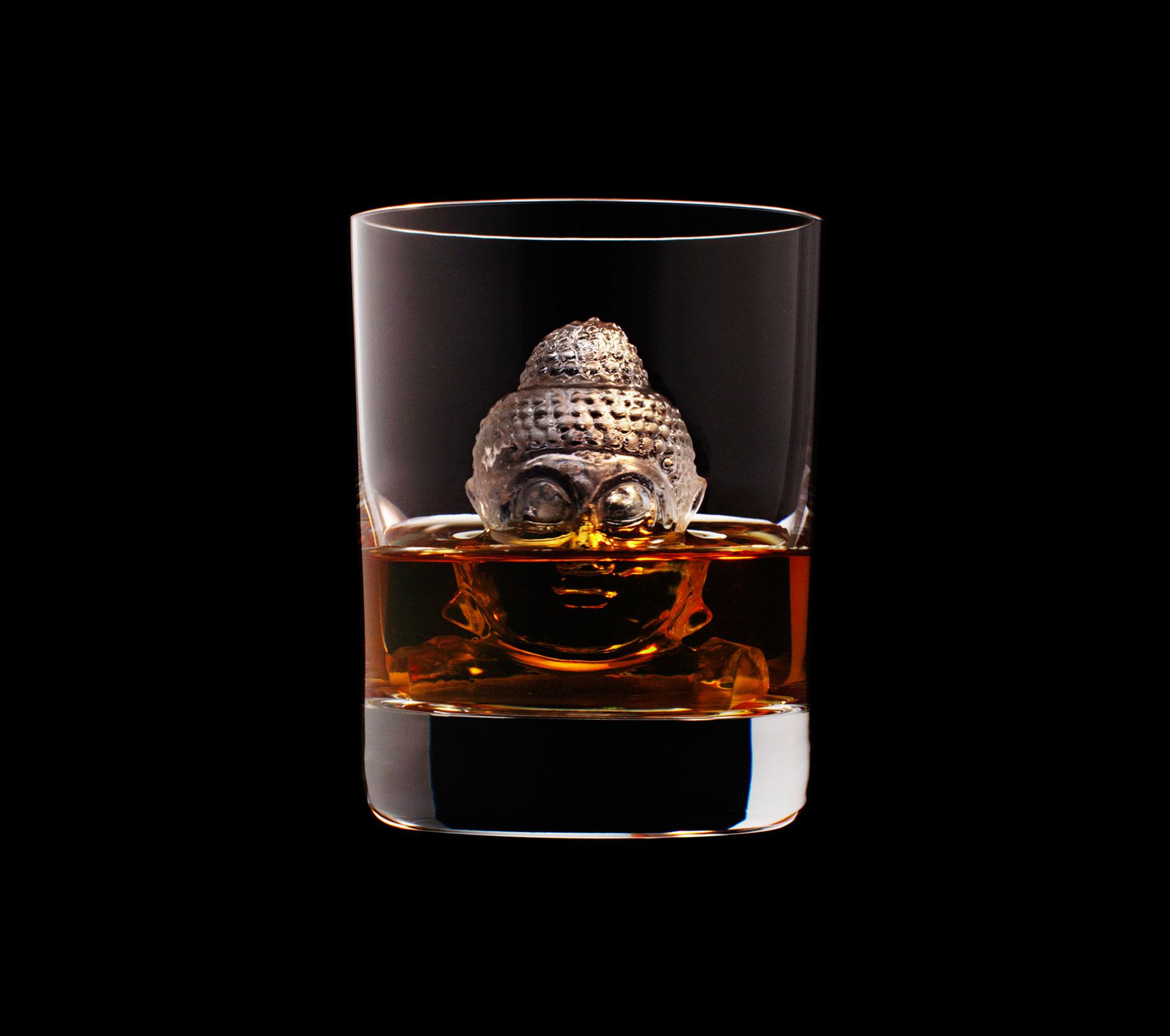 dans-ta-pub-whisky-tbwa-suntory-ice-cubes-9