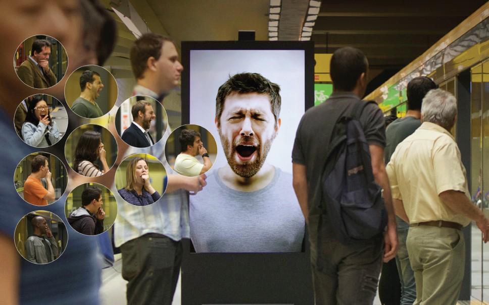 dans-ta-pub-contagious-billboard-cafe-pele-coffee-metro-brazil