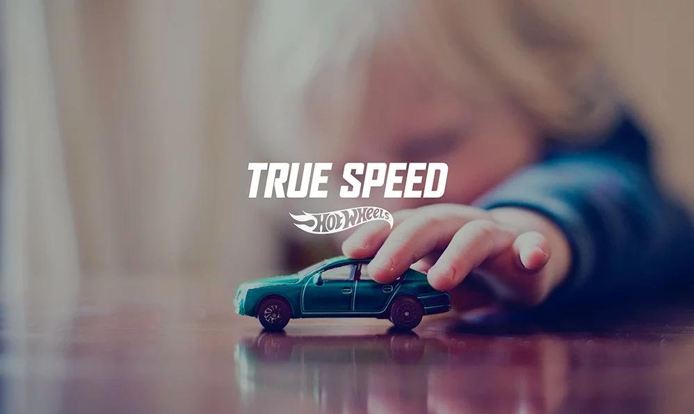 dans-ta-pub-hot-wheels-true-speed-app-voiture-lola-espagne