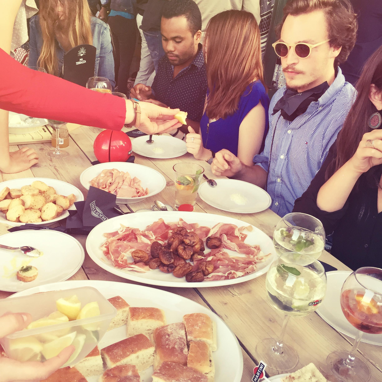 Dans ta pub ma terrazza martini soir e 1 dans ta pub for Dans ta pub