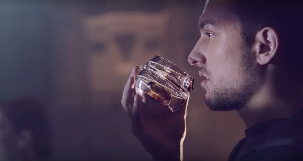 Dans ta pub ballantines whisky verre space dans ta pub for Dans ta pub