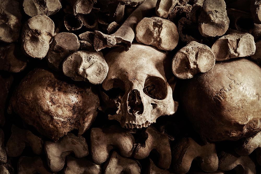 dans-ta-pub-airbnb-catacombes-paris-halloween-2
