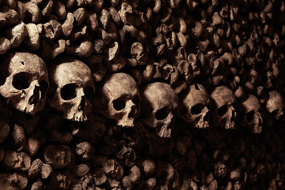 dans-ta-pub-airbnb-catacombes-paris-halloween-4