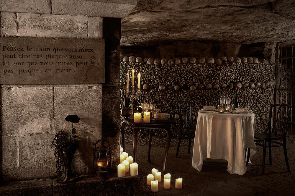 dans-ta-pub-airbnb-catacombes-paris-halloween-6