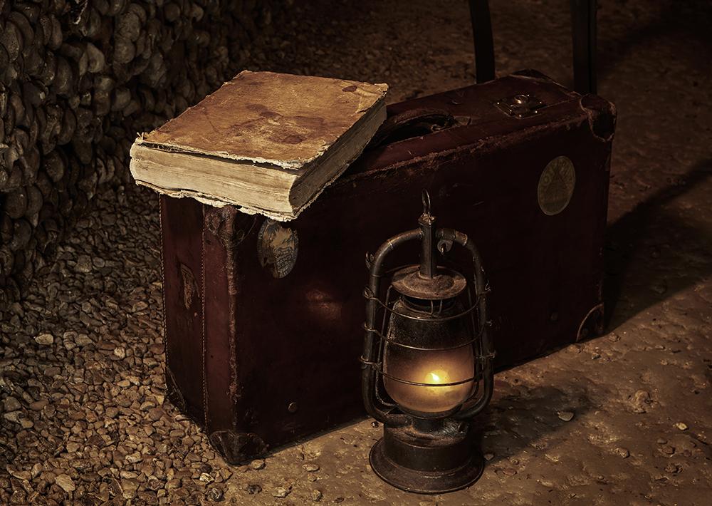 dans-ta-pub-airbnb-catacombes-paris-halloween-9
