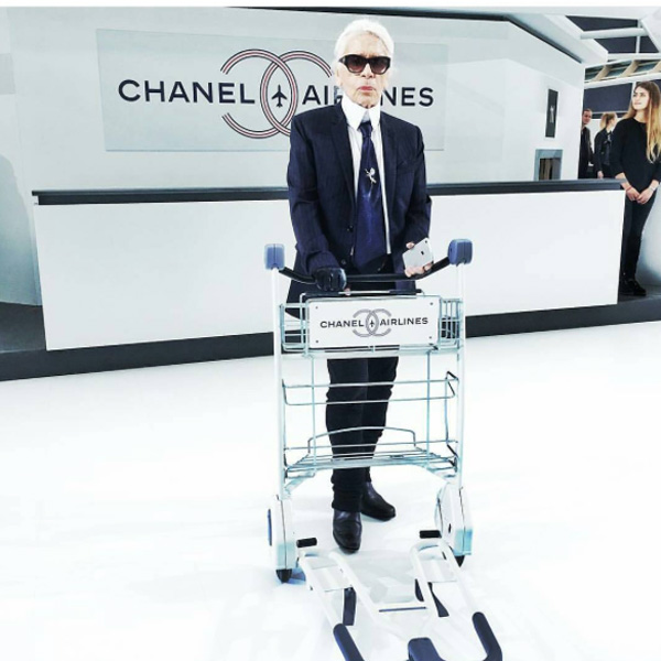 dans-ta-pub-chanel-airlines-paris-fashion-week-6