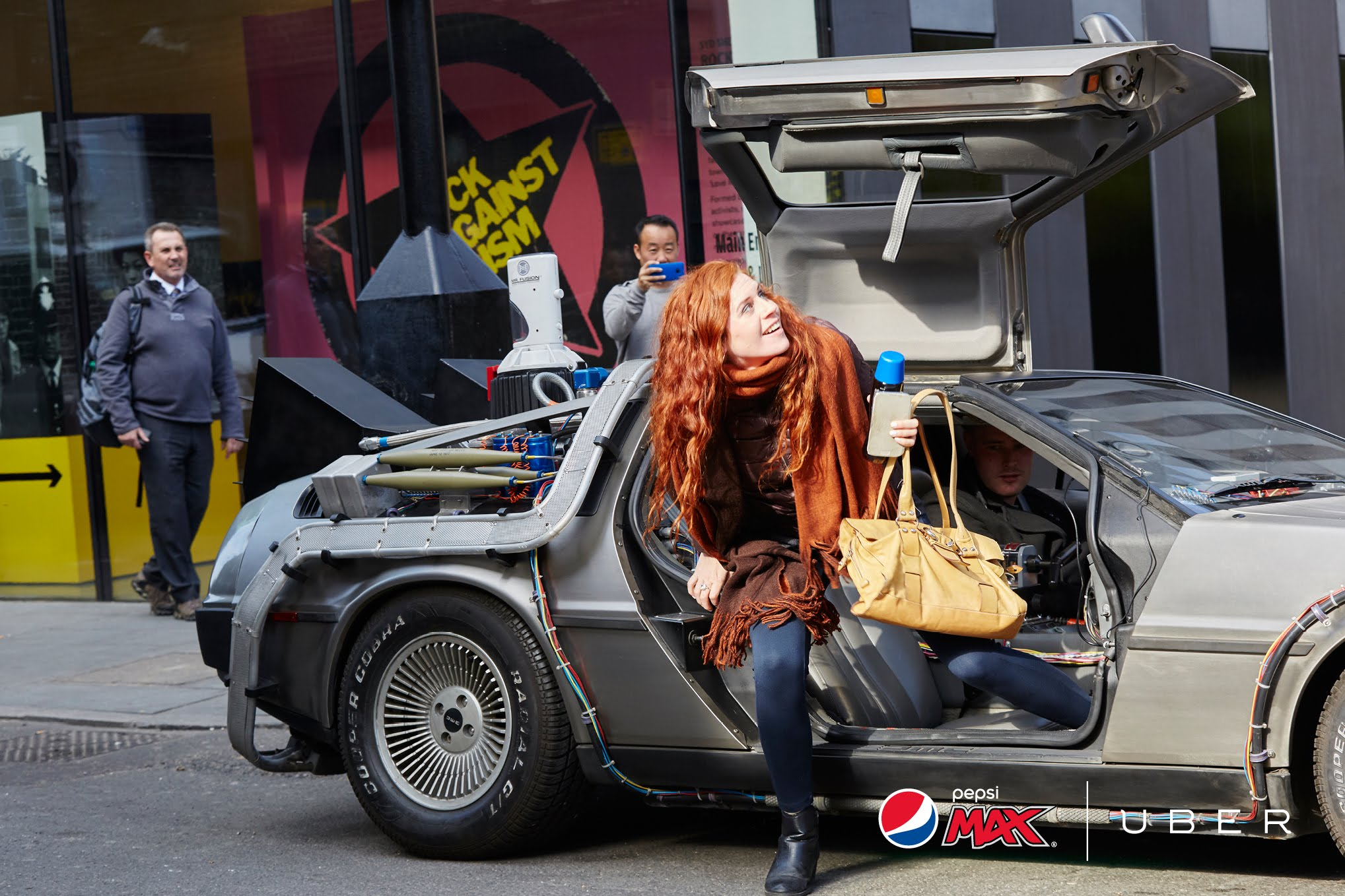 dans-ta-pub-pepsi-uber-back-to-the-future-delorean