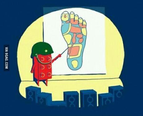 dans-ta-pub-9gag-lego-foot