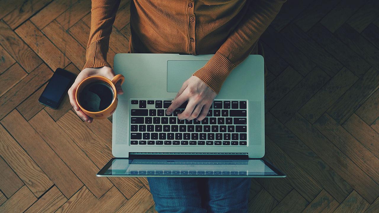 dans-ta-pub-freelance-promouvoir-travail-publicité-webdesign
