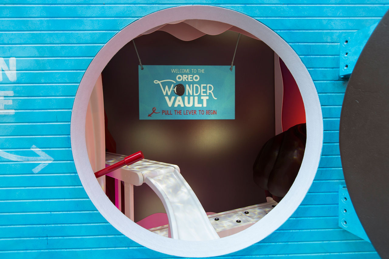 dans-ta-pub-affichage-new-york-wonderful-cookies-oreo-vault-1