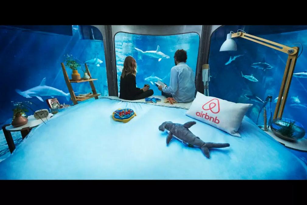 dans-ta-pub-airbnb-ubi-bene-aquarium-paris-chambre-requin-2