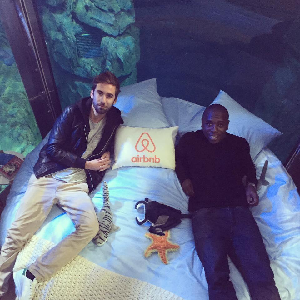 dans-ta-pub-airbnb-ubi-bene-aquarium-paris-chambre-requin-5