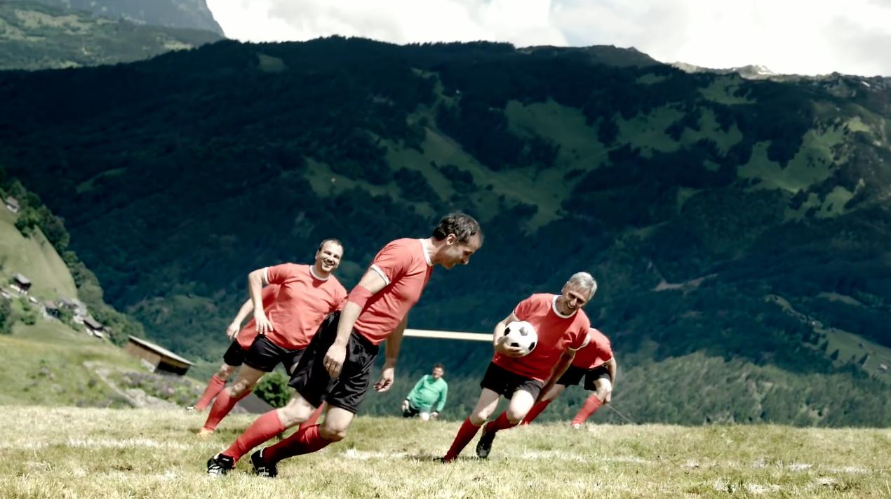 dans-ta-pub-mercedes-van-extreme-football