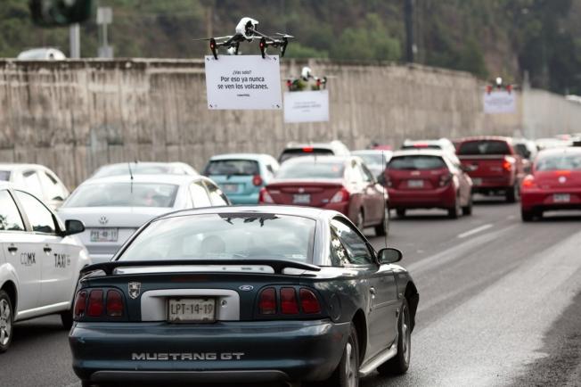 dans-ta-pub-drone-uber-mexique-voiture-automobile-traffic-1