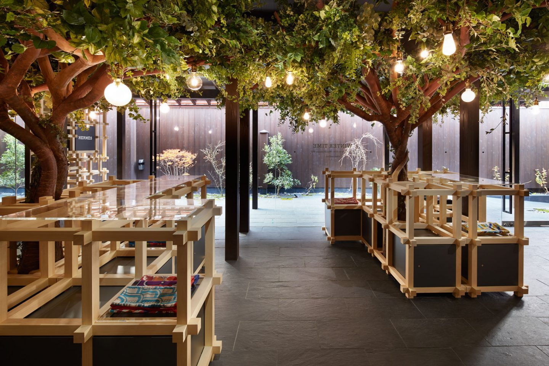 Hermès crée un magnifique pop-up store au Japon